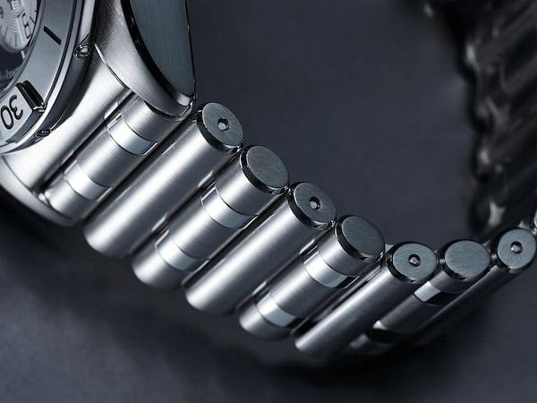 クロノマットB01 42のルーロー・ブレスレット