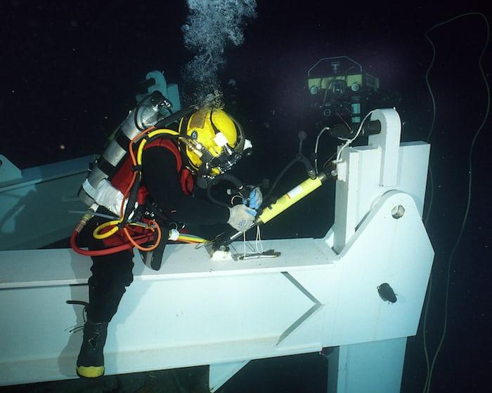 saturation diver at work